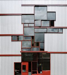 Higgins Hall Center Section, Pratt Institute, Brooklyn, NY  by Steven Holl Architects