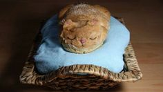 What could be better than a loaf of bread, shaped like a cat, shaped like a loaf of bread?