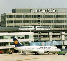 * Aeroporto Internacional de Franfurt *  Frankfurt, Alemanha.