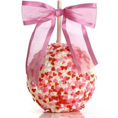 Apple is hand-dipped in our rich golden Caramel in Belgian Chocolate the decorated with colorful heart shaped Candy Confetti. Chocolate Covered Apples, Chocolate Dipped, Caramel Apples, White Chocolate, Melted Chocolate, Chocolate San Valentin, Carmel Candy, Gourmet Candy Apples, Heart Shaped Candy