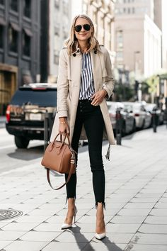 Trench Coat Outfit For Spring Trench Coat Outfit, Blue Trench Coat, Trench Coat Style, Trench Coats, Women's Coats, Summer Office Outfits, Spring Outfits, Outfits With Striped Shirts, Blue Striped Shirt Outfit