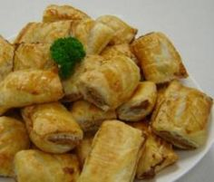 Recipe Cyndi O'Meara's Vegetarian Sausage Rolls by Thermomix in Australia - Recipe of category Baking - savoury