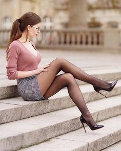 NSFW - I love womens legs. Even more so when she is wearing nylon of some type with high heels. Pantyhose, stockings, tights, they all make a woman's legs look and feel the best. Women With Beautiful Legs, Lovely Legs, Great Legs, Nice Legs, Pantyhose Outfits, Pantyhose Legs, Women Legs, Sexy Women, Corpo Sexy