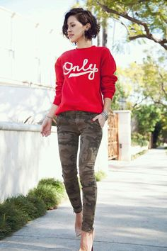 Red sweater & camo jeans with pumps