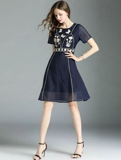 Fashion Embroidery O-Neck Short Sleeve Fit Flare Dress