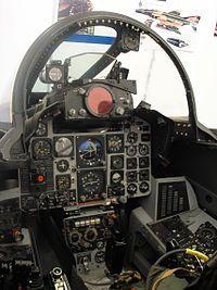 Cabina de un F-4 Phantom II.