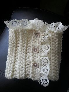 boot cuffs medium in cream