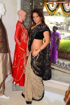Masala Pics and Comments 24 x 7 100000 hot pix & 1 Crore views ! Neetu Singh, Neetu Chandra, Black Saree, Alexandra Daddario, Tamil Actress, Cotton Saree, Beauty Queens, Designer Collection, Product Launch