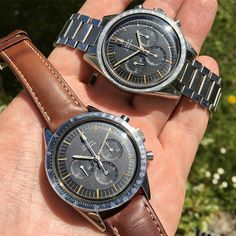 REPOST!!!  You won't believe what offers for the lower Speedy I had to tolerate today at WTA fair😂 Omega Speedmaster 105.003-64 x 105.003-63  Photo Credit: Instagram ID @vintagecaliber
