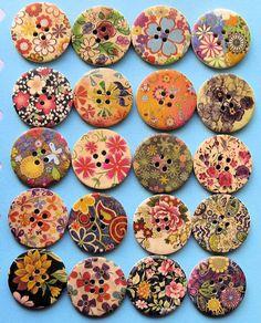 20 boutons bois peints motifs floraux Extra par BohemianFindings
