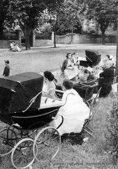 Añas y niñeras, posiblemente en la Avenida Zugatzarte de Las Arenas (ref. 07015)