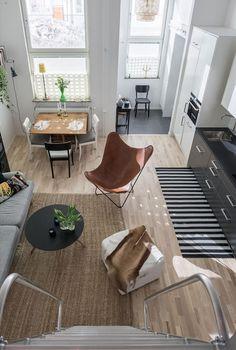 MC22. Cozy small living room.
