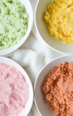 Naturally Coloured Sugars - Easy 'how-to' for making this sugar. It's perfect for decorating cookies and other sweet treats!