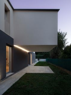 Gallery of Turned House / MZC Plus - 33