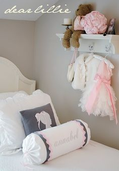 Dear Lillie the blog DIY pillows