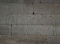 Couleur Le Temple: Utilisation de la lumière projetée pour restaurer la couleur | Le Metropolitan Museum of Art
