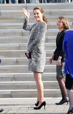 Kate Middleton Flaunts Growing Baby Bump at Turner Contemporary Art Gallery Visit!: Photo Catherine, Duchess of Cambridge (aka Kate Middleton) looks radiant flaunting her growing baby bump as she arrives the Turner Contemporary Art Gallery on Wednesday… Princesa Charlotte, Prince William And Catherine, William Kate, Windsor, Princesse Kate Middleton, Hobbs Coat, Prinz William, Lady Diana Spencer, Kate Middleton Style