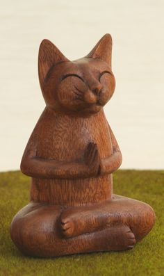 "Hand Carved Wooden Praying Namaste Cat Statue ""Relax and let your heart purr. This statue of hand carved wood is a touch of humor and lightheartedness with its depiction of a happily meditating feline."" via Buddha Groove Crazy Cat Lady, Crazy Cats, I Love Cats, Cool Cats, Meditating Cat, Buddha, Gatos Cats, Cat Statue, Cat Decor"