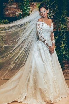 noiva   bride   veu   vestido de noiva   mangas ombro a ombro   branco   wedding dress