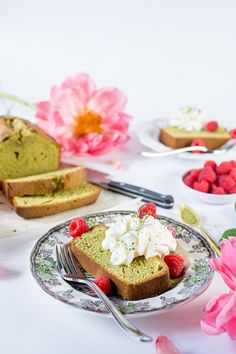 Matcha Green Tea Pound Cake Best Dessert Recipes, Fun Desserts, Cake Recipes, Green Tea Pound Cake Recipe, Big Meals, Matcha Green Tea, Food Trends, Healthy, Recipes For Cakes