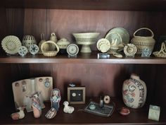 Basketry, pottery and miniatures displayed beautifully. Display Ideas, Miniatures, Pottery, Mugs, Tableware, Wall, Ceramica, Dinnerware, Pottery Marks