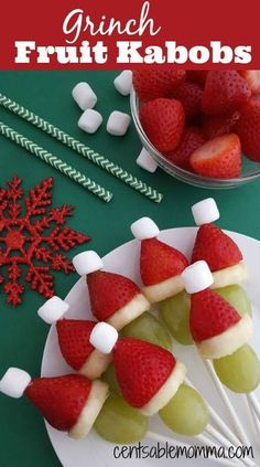 Grinch Fruit Kabobs It seems like most holiday food while delicious is not exactly health food. That's why I love this idea for Grinch Fruit Kabobs. They are super cute and filled with vitamins from the fruit. You can either pre-make them for a party pl Christmas Party Food, Christmas Brunch, Xmas Food, Christmas Breakfast, Christmas Appetizers, Christmas Cooking, Christmas Desserts, Christmas Fruit Ideas, Christmas Christmas