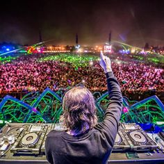 EDM:A variety of my favorite Electronic Dance Music artists.