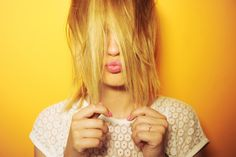 Vous ne savez pas quoi faire de vos cheveux au réveil? Voici 10 coiffures faciles pour des matins sans prise de tête. Exit les bad hair days!