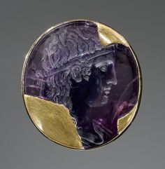 Roman engraved amethyst depicting the god Apollo dating to 30-20 BCE.