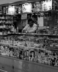 Feeling lonely?     Hey! Follow me if you like my pics :)  @konzy.me  #newyork #newyorkcity #nyc #ny #usa #america #photography #street #streets #streetphotography #streetphoto #bw #blackandwhite #blackandwhitephoto #fuji #fujifilm #fujixseries #fuji_xseries #fujix #fujix100t #x100t #fujilove #fujifeed #konzy http://fb.me/konzy.me
