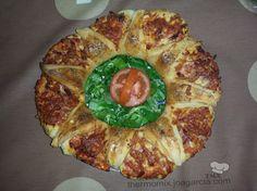 COPIADA Una manera diferente de comer pizza. Rosca rellena con embutido y queso.