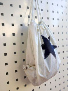 Beutel aus Segeltuch mit Stern von Rough Element auf DaWanda.com