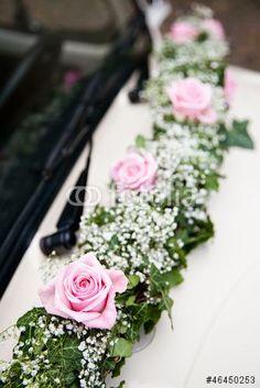 Bridal car floral decoration - New Sites Wedding Car Decorations, Flower Decorations, Wedding Centerpieces, Wedding Getaway Car, Dream Wedding, Floral Wedding, Wedding Flowers, Bridal Car, Deco Floral