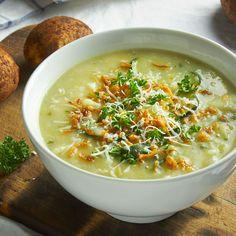 Winter Warming Potato and Leek Soup via @https://au.pinterest.com/dvegans/