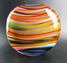 Peter Layton A lovely medium sized round stoneform with stunning horizontal colors glass art WOW. so bold and technical at the same time. Mosaic Glass, Fused Glass, Glass Paperweights, Glass Vase, Blown Glass Art, Antique Perfume Bottles, Through The Looking Glass, Porcelain Ceramics, Vases Decor