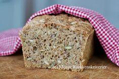 Monas Kjøkkenskriverier: Langtidshevet grovbrød Banana Bread, Healthy Eating, Gluten, Baking, Desserts, Eating Healthy, Tailgate Desserts, Deserts, Healthy Nutrition