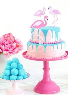 Flamingo Pool Party Ideas & Printables - ideas on DIY decorations, food, drinks, favors and fun activities for a fun pink summer celebration or birthday! Flamingo Party, Flamingo Pool, Flamingo Cake, Flamingo Birthday, Pink Flamingos, Blue Birthday, Baking Birthday Parties, Birthday Party Themes, Birthday Decorations