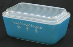 Vintage Pyrex Snowflake Refrigerator Glass Dish Container  Lid 502 1 1/2 Pints