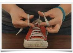 Comment apprendre à faire ses lacets en un tour de main ! #autonomie