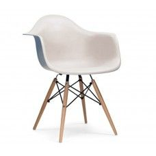 The Charles Ray Eames style DAW arm chair is a comfortable and stylish addition to any home. Grey Desk Chair, Dining Arm Chair, Dining Room, Office Chair Without Wheels, Charles & Ray Eames, Restaurant Furniture, Dining Table Design, Eames Chairs, Dorm Rooms