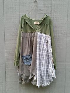 upcycled hoodie Dress / romantic Upcycled / Patchwork by CreoleSha aus Hemdsärmeln mach eine Tunica- welch coole Idee!