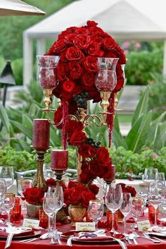 Table setting with red roses...