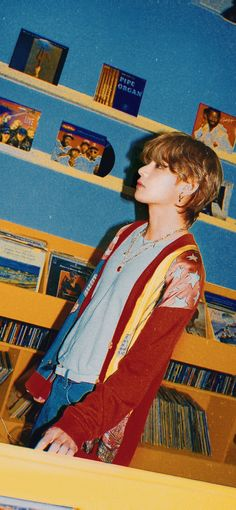 J Pop, Foto Bts, Jung Hoseok, Park Shin, Bts Wallpapers, Bts Anime, K Wallpaper, Bts Aesthetic Pictures, Album Bts