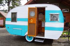 Vintage Travel Trailers: 1957 Cardinal Travel Trailer - Interior and Exterior Photos Vintage Campers Trailers, Retro Campers, Vintage Caravans, Camper Trailers, Shasta Trailer, Happy Campers, Trailer Diy, Small Trailer, Tiny Trailers