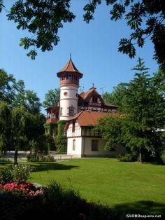 castle home herrsching bavaria villa ammersee by rangutan Villa, Castle House, Dream Houses, Bavaria, Pop Up, Homes, Dreams, Mansions, Architecture