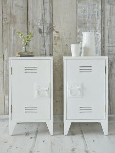 Industrial chic for the bedroom! These stylish white wooden bedside cabinets are reminiscent of old school lockers. Industrial Chic, Industrial Bedroom, Industrial Lockers, White Industrial, Muebles Home, Vintage Lockers, Warehouse Home, Style Loft, Locker Decorations