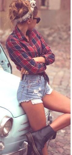 Cute Hipster Outfits For Girls: As you can see cute hipster outfits celebrate the unique and individual person you are. But before you let yourself go berserk with cute hipster outfits, do consider what touches will work with the way you look. Look Fashion, Girl Fashion, Autumn Fashion, Womens Fashion, Hipster Fashion, Hipster Grunge, Grunge Style, Fashion Hair, Soft Grunge
