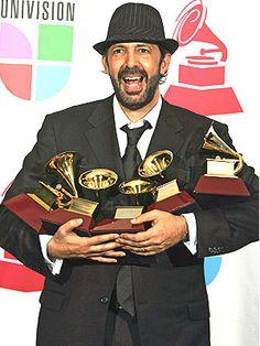 Nombre real Juan Luis Guerra Seijas  Nacimiento 07 de junio de 1957  Santo Domingo,  República Dominicana    Ocupación Productor discográfico, Compositor de canciones, Músico, Arreglista musical, Guitarrista.  Guerra ha ganado 18 Grammys, entre ellos 3 de la academia norteamericana.