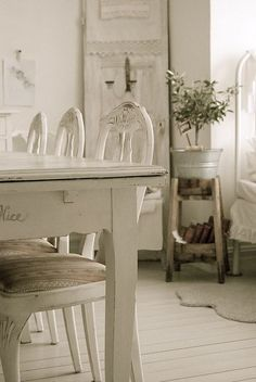 Shabby Chic dining room #interior #white #homeideas