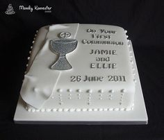 Elegant white and silver Communion Cake. Designed to compliment the invitations featuring a glittery communion cup and silver lettering. Boys First Communion Cakes, Boy Communion Cake, Communion Cups, Comunion Cakes, Religious Cakes, Confirmation Cakes, Communion Decorations, Square Cakes, Celebration Cakes